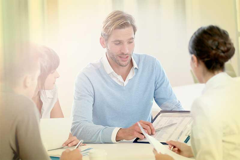 El pro bono o cómo jugar a ser abogados